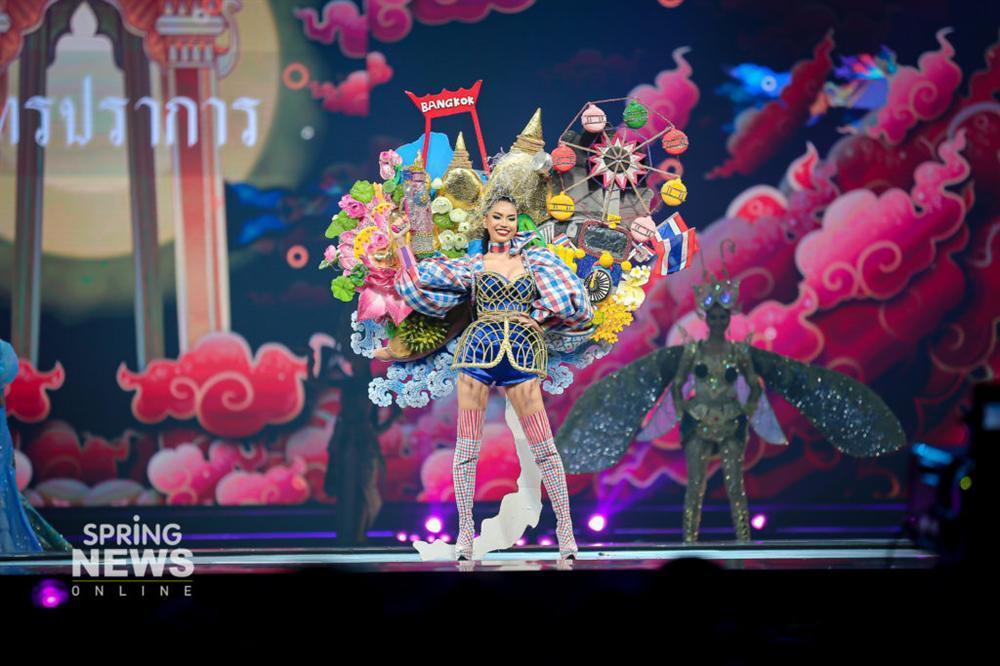 Thật như đùa ở Thái: Mỹ nữ quàng nải chuối lên người đi thi hoa hậu!-5