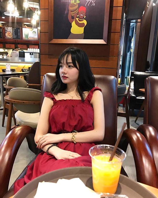 Nữ cổ động viên xinh đẹp từng được 4 đài Hàn Quốc săn lùng bất ngờ theo chồng bỏ cuộc chơi ở tuổi 22-2