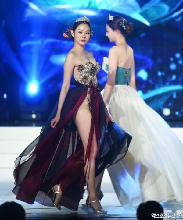 Diện hanbok theo kiểu khoe thân, Top 6 Hoa hậu Hàn Quốc 2019 bị ném đá không trượt phát nào-3