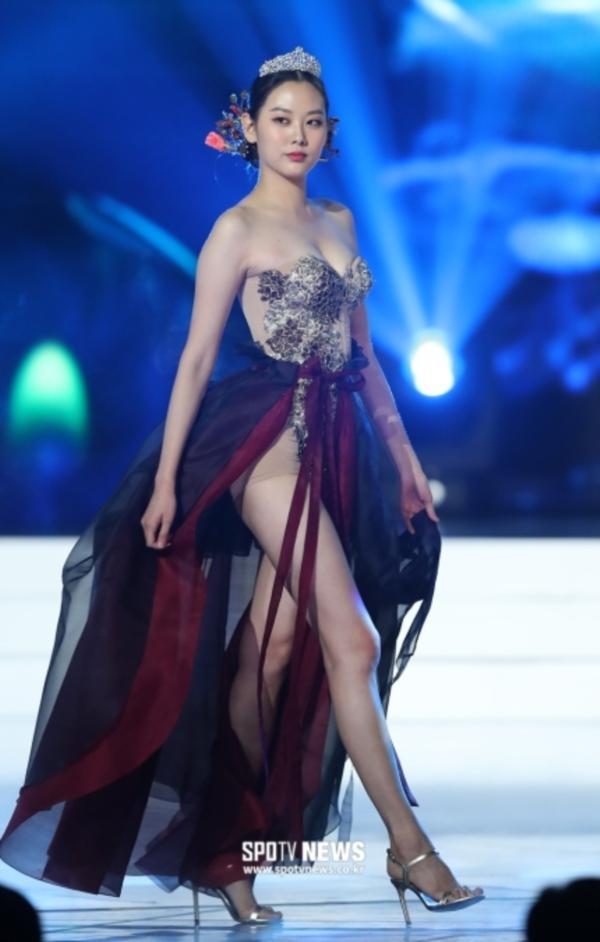 Diện hanbok theo kiểu khoe thân, Top 6 Hoa hậu Hàn Quốc 2019 bị ném đá không trượt phát nào-5