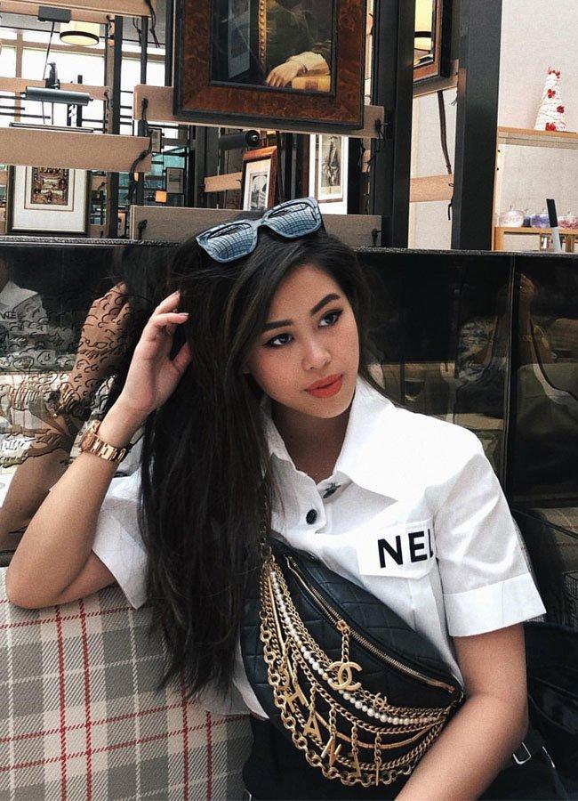 Những chiếc áo croptop của em chồng Hà Tăng có giá trên trời-2