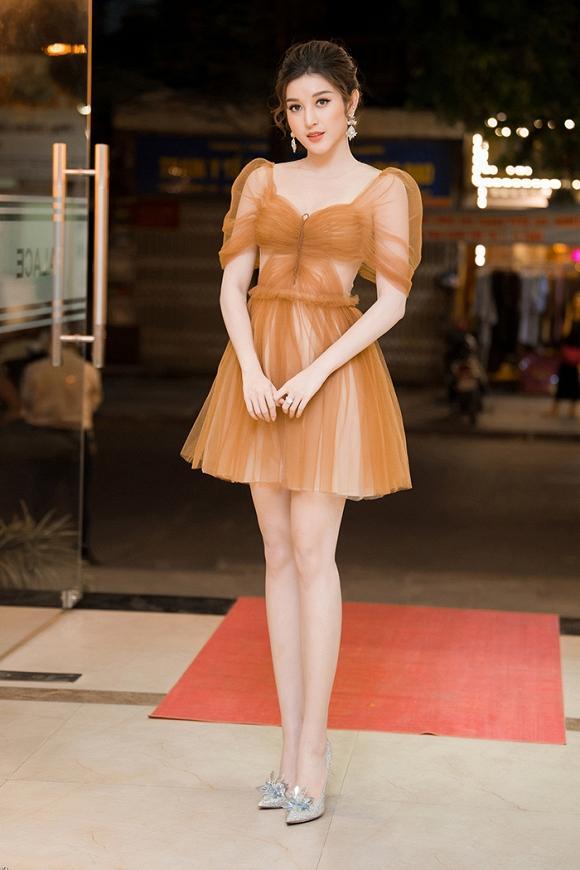 Chỉ cần 1 chiếc váy body, Hương Giang chặt đẹp dàn công chúa từ Ngọc Trinh, Huyền My đến Tiểu Vy-8