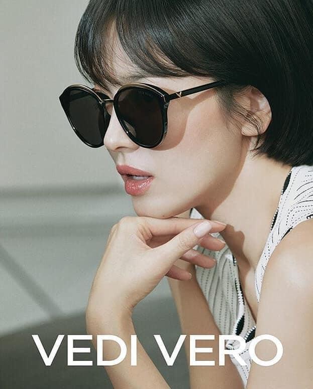 Giữa bão ly hôn Song Joong Ki, Song Hye Kyo vẫn đẹp không tì vết và được các thương hiệu lớn ưu ái-11