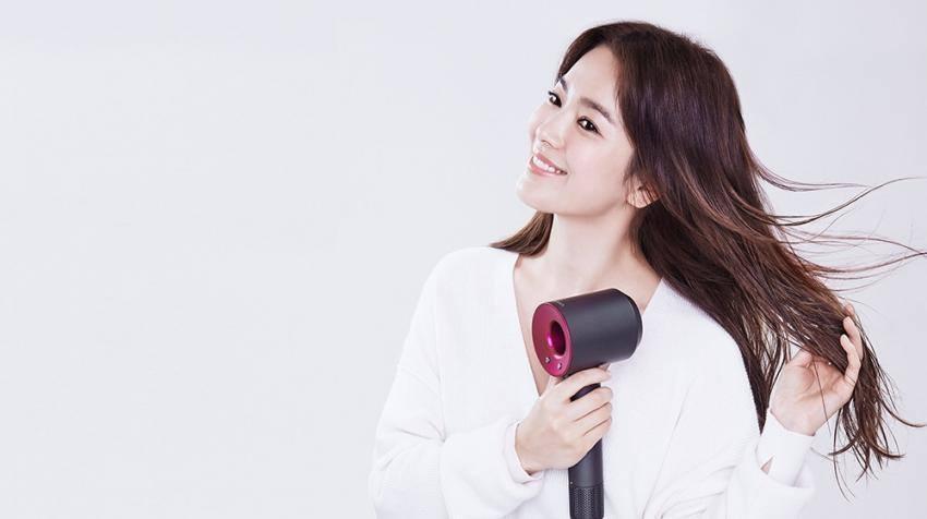 Giữa bão ly hôn Song Joong Ki, Song Hye Kyo vẫn đẹp không tì vết và được các thương hiệu lớn ưu ái-13