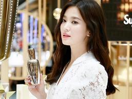 Giữa bão ly hôn Song Joong Ki, Song Hye Kyo vẫn đẹp không tì vết và được các thương hiệu lớn ưu ái