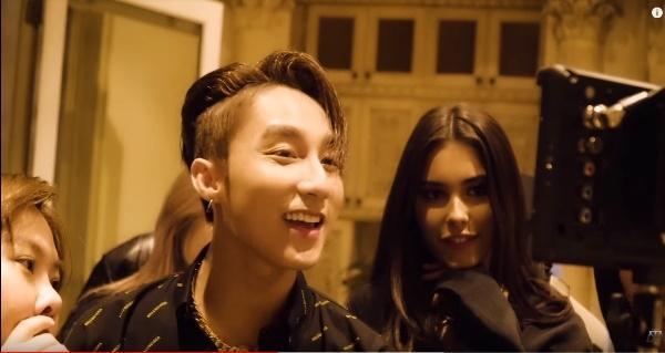 Sơn Tùng lần đầu tiết lộ những cảnh tình tứ với người đẹp Madison Beer trong clip hậu trường MV Hãy trao cho anh-4