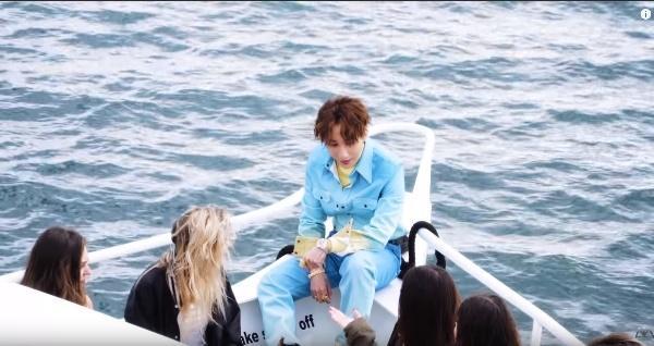 Sơn Tùng lần đầu tiết lộ những cảnh tình tứ với người đẹp Madison Beer trong clip hậu trường MV Hãy trao cho anh-6