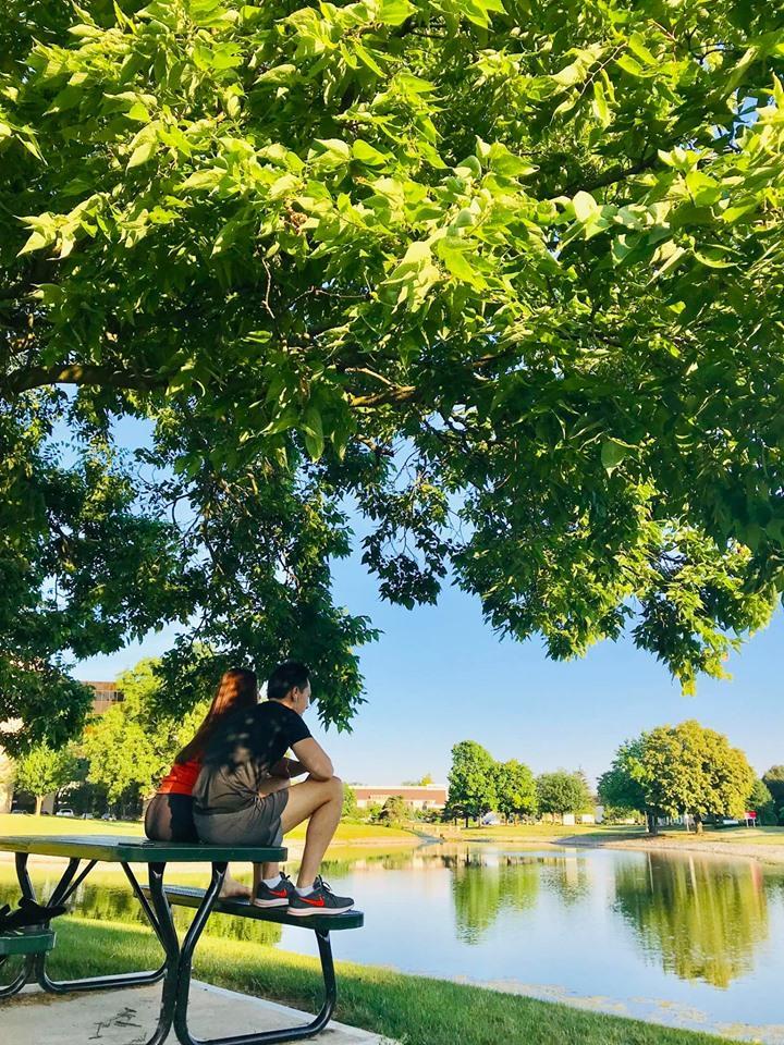 Ngồi lên bàn lại còn đặt chân lên ghế, Hồ Ngọc Hà - Kim Lý bị chê thiếu ý thức khi du ngoạn nước Mỹ-5