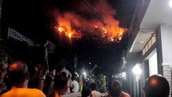 Cháy rừng ở Quy Nhơn, hàng trăm người tháo chạy