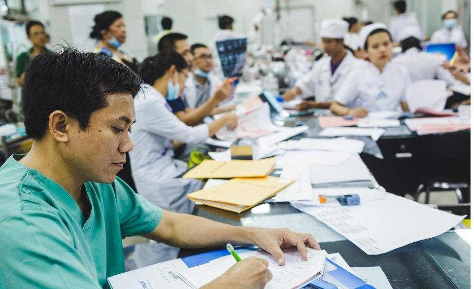 BV Chợ Rẫy xin lỗi vì bác sĩ thiếu kinh nghiệm cấp cứu để bệnh nhân tử vong-2