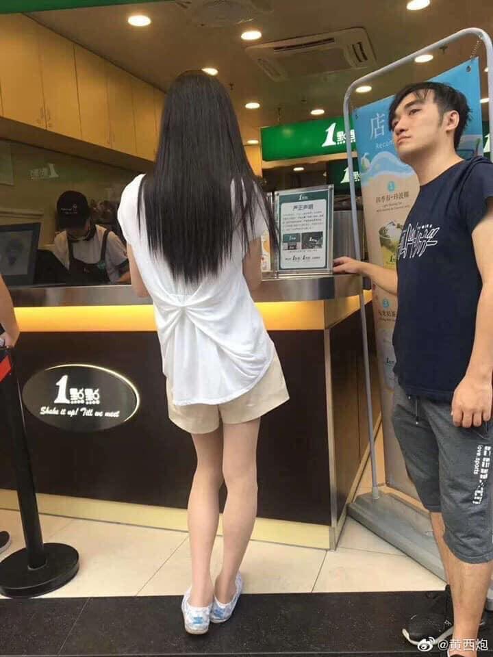 Gái xinh khiến hội trai tân mê mẩn khi đứng mua trà sữa, đến khi nhan sắc thật hé lộ thì ai cũng hết vía-2
