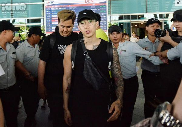 Vừa đến Việt Nam, Jay Park đã muốn gặp Sơn Tùng và đây là lời đáp lại của chủ hit 'Hãy trao cho anh'-1