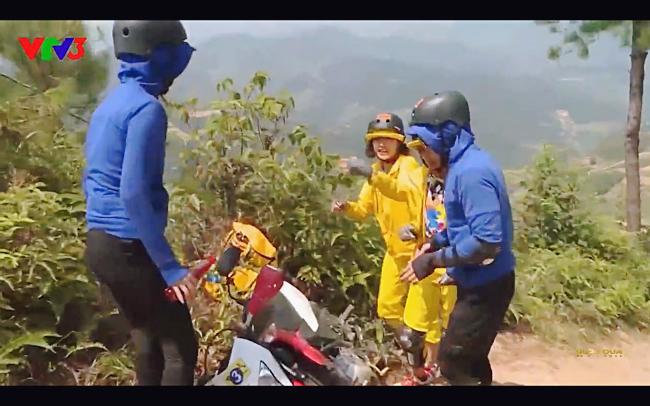 Cùng Minh Triệu chạy xe trên địa hình quá nguy hiểm, Kỳ Duyên khóc ròng vì sợ chết giữa chốn hoang sơ-2