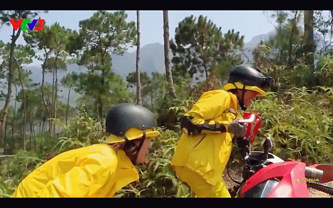 Cùng Minh Triệu chạy xe trên địa hình quá nguy hiểm, Kỳ Duyên khóc ròng vì sợ chết giữa chốn hoang sơ-3