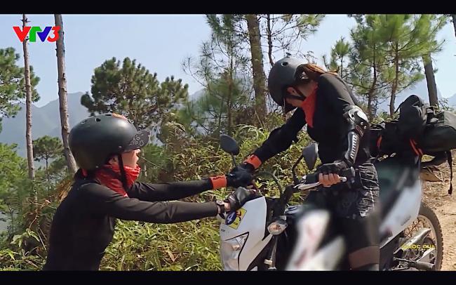 Cùng Minh Triệu chạy xe trên địa hình quá nguy hiểm, Kỳ Duyên khóc ròng vì sợ chết giữa chốn hoang sơ-6