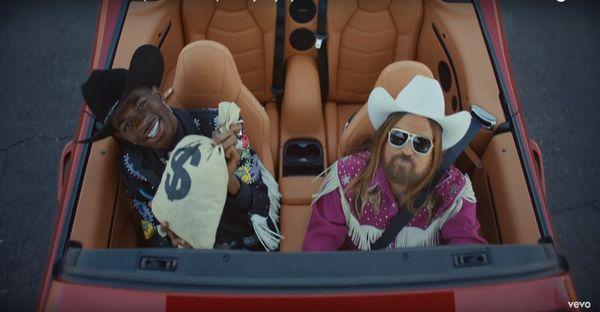 Lil Nas X rủ rê Mariah Carey hợp tác trong bản remix Old Town Road: Câu trả lời của nữ diva khiến ai cũng ngạc nhiên-2
