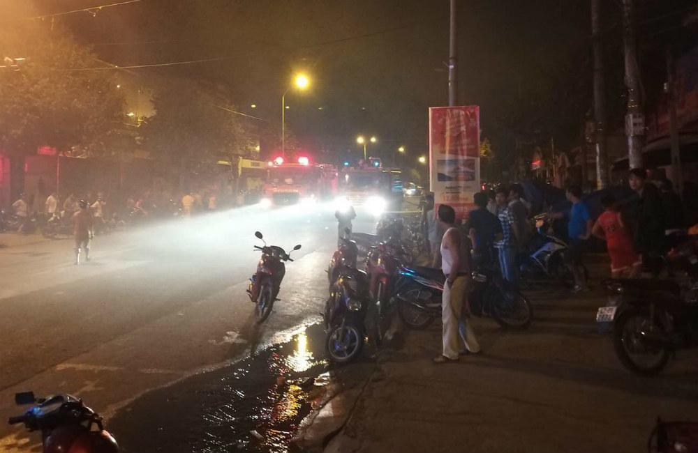 Cháy chợ kinh hoàng ở Đắk Lắk, gần 50 ki ốt thành tro-4