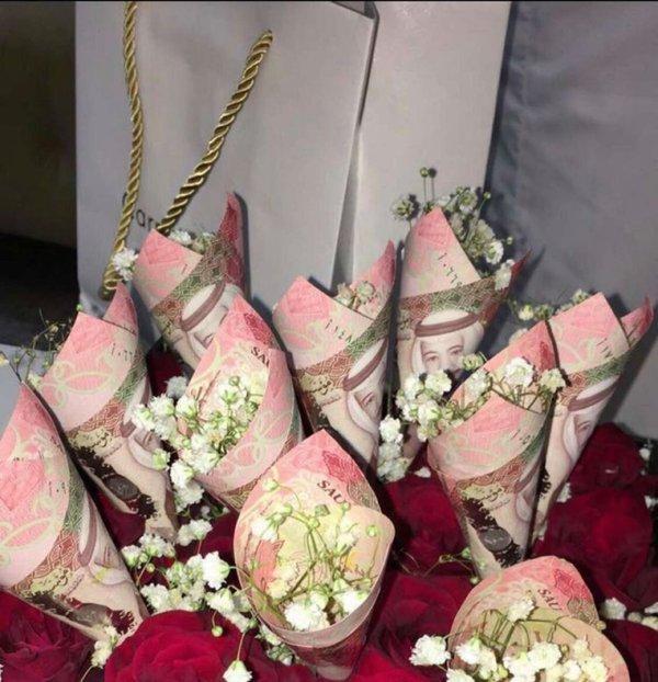 Kinh hãi độ giàu có của fan Super Junior tại Ả Rập: Vàng nguyên chất, đồng hồ Rolex và giờ thì muốn mua toàn bộ SM Entertainment tặng các oppa-5
