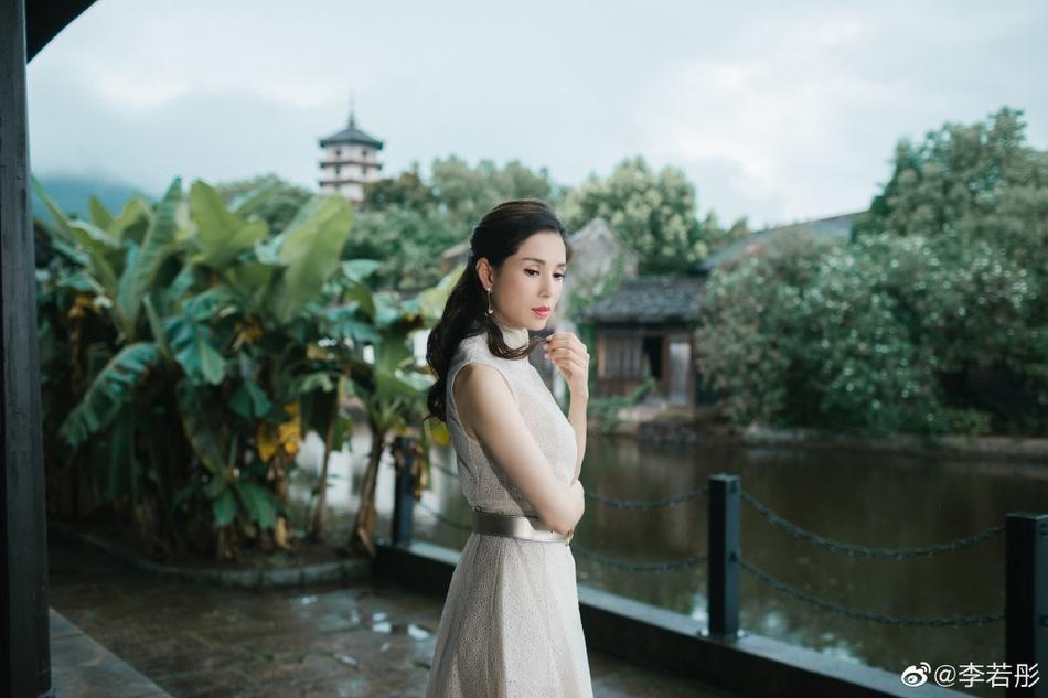 U50 Cô Cô Lý Nhược Đồng khiến fan loạn nhịp trước vẻ đẹp lão hóa ngược khác hẳn loạt ảnh nhăn nheo trước đó-6