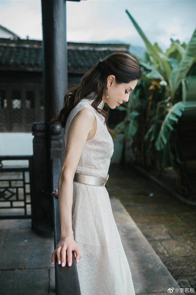 U50 Cô Cô Lý Nhược Đồng khiến fan loạn nhịp trước vẻ đẹp lão hóa ngược khác hẳn loạt ảnh nhăn nheo trước đó-8