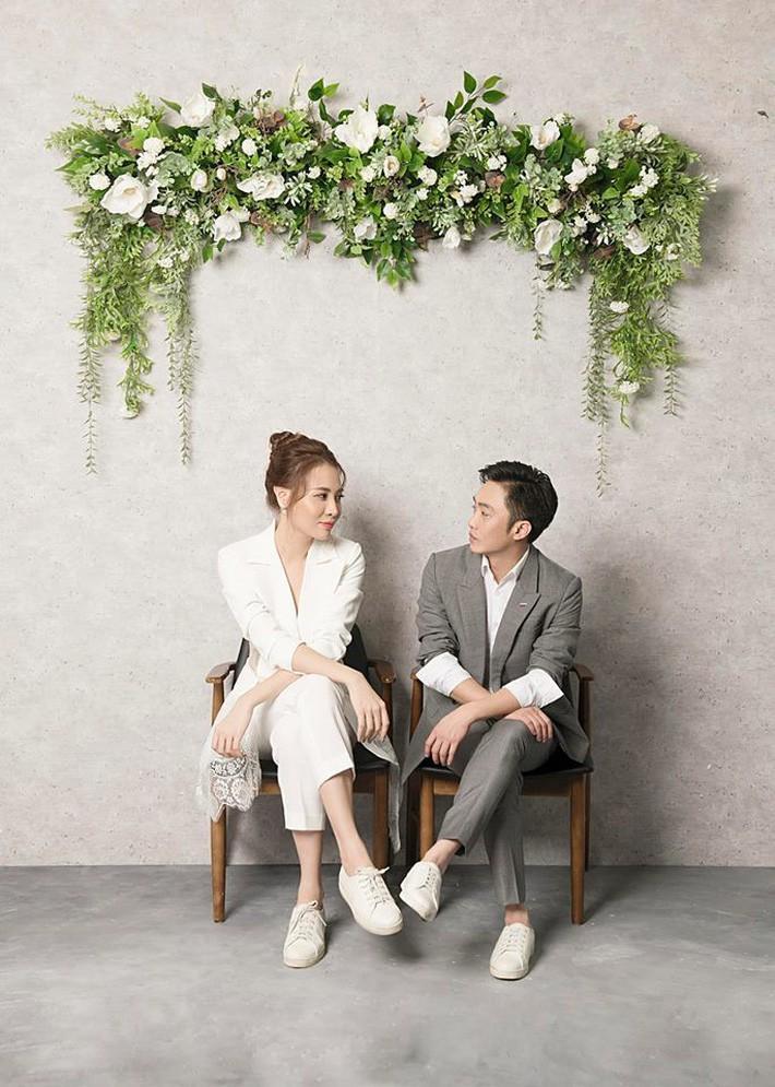 Ơn giời, chiếc váy gợi cảm nhất từ trước đến nay này mới là váy cưới chính thức của Đàm Thu Trang?-7