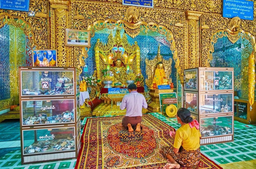 Độc đáo tu viện dát vàng giữa vùng đất mây vờn ở Myanmar-3