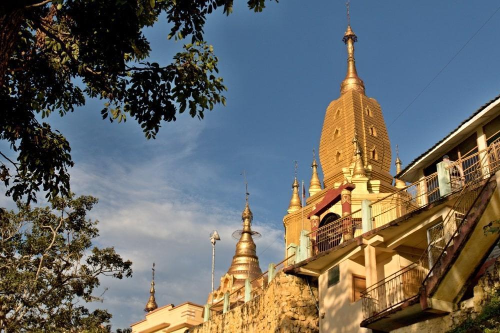 Độc đáo tu viện dát vàng giữa vùng đất mây vờn ở Myanmar-6
