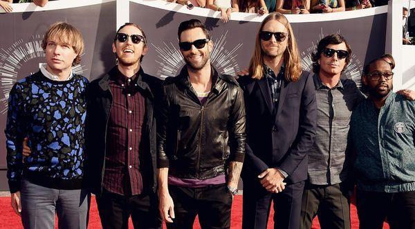 Hài hước với loạt bằng chứng cho thấy Maroon 5 là fan BTS từ hồi… năm 2014-1
