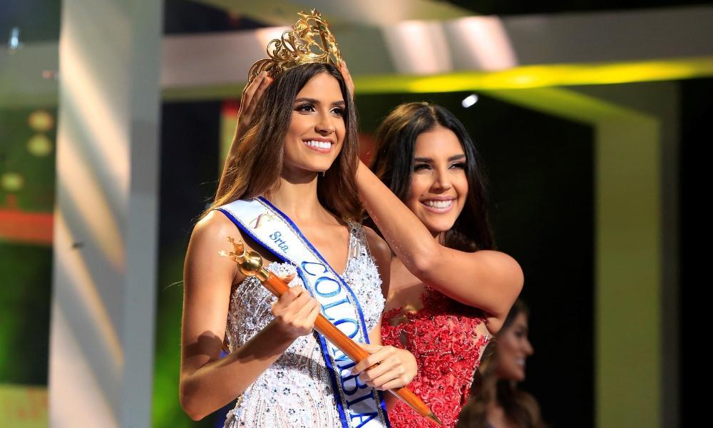 3 nữ luật sư ứng xử nuốt mic xuất hiện tại Miss Universe 2019: Số phận Hoàng Thùy đi đâu về đâu?-2