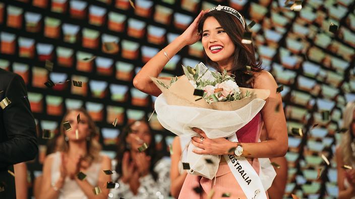 3 nữ luật sư ứng xử nuốt mic xuất hiện tại Miss Universe 2019: Số phận Hoàng Thùy đi đâu về đâu?-6