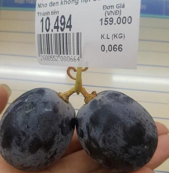 Sợ chị thèm cherry, em trai vào siêu thị mua ngay 1 quả giá 6 nghìn, được dân mạng khen dễ thương hết lời-5