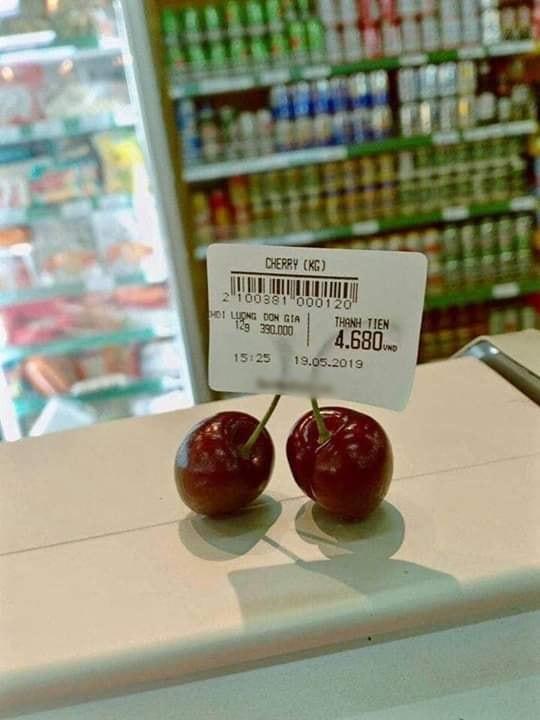 Sợ chị thèm cherry, em trai vào siêu thị mua ngay 1 quả giá 6 nghìn, được dân mạng khen dễ thương hết lời-4