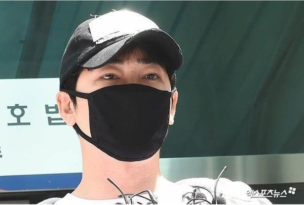 Nạn nhân bị Kang Ji Hwan cưỡng hiếp cố kêu cứu cảnh sát nhưng bất lực-1