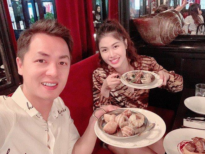Vợ xinh của Đăng Khôi đi du lịch vẫn vào bếp làm món nhà giàu: Bất ngờ với mức giá-8