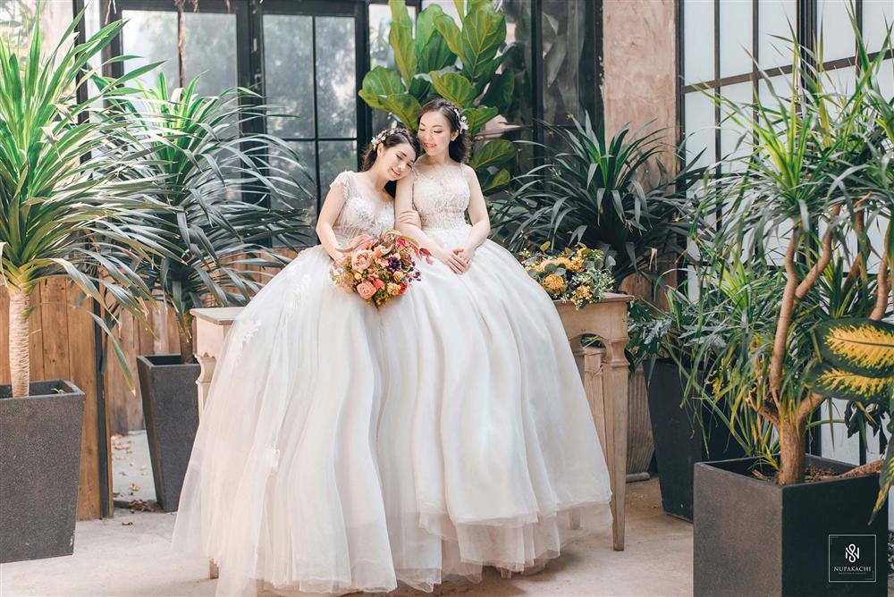 Bay từ Mỹ về Việt Nam gặp mặt đúng 3 lần, cặp đồng tính nữ xinh đẹp quyết định kết hôn trong hạnh phúc viên mãn-6