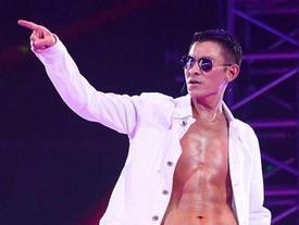 Lưu Đức Hoa xấu hổ vì sự nghiệp ca hát '30 năm chỉ có 3 bài hot'