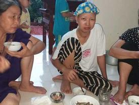 Bữa cơm đầu tiên của 2 mẹ con Bình An ở nhà