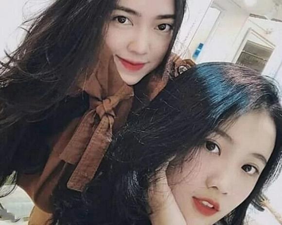 Anh trai Quang Hải đám cưới nhưng bạn gái Đức Chinh, Văn Hậu vô tình chiếm hết spotlight khi khoe sắc trong một khung hình-1
