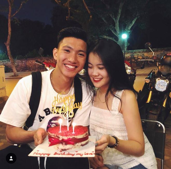 Anh trai Quang Hải đám cưới nhưng bạn gái Đức Chinh, Văn Hậu vô tình chiếm hết spotlight khi khoe sắc trong một khung hình-3