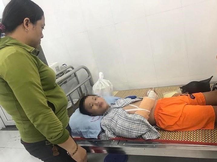 Bé 13 tuổi ở Quảng Nam bị thanh niên chở vào rừng đánh gãy tay, cướp 1,2 triệu-2
