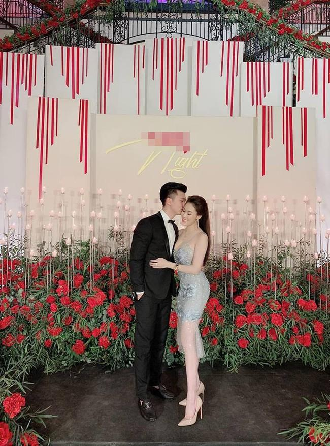 Nữ giảng viên từng hủy hôn với con trai nghệ sĩ Hương Dung khoe ảnh kỷ niệm 6 tháng yêu nhau cực tình bên bạn trai hotboy-4