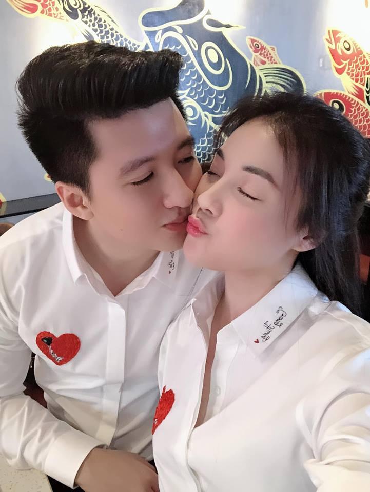 Nữ giảng viên từng hủy hôn với con trai nghệ sĩ Hương Dung khoe ảnh kỷ niệm 6 tháng yêu nhau cực tình bên bạn trai hotboy-2
