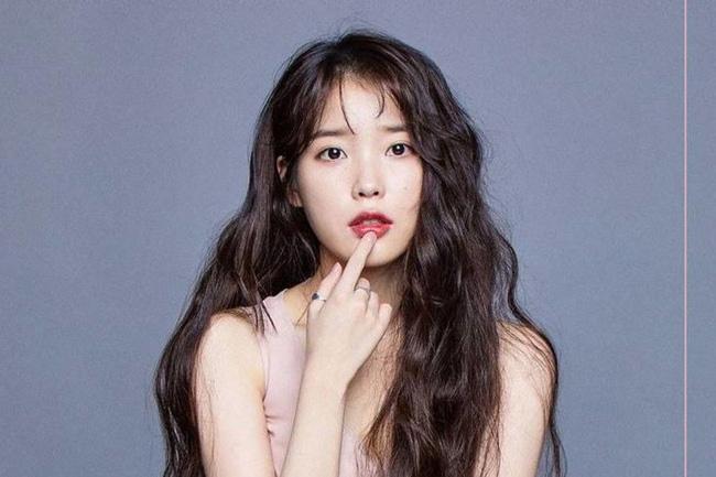 Vượt mặt Kim Yoo Jung - Jennie, IU được bình chọn là sao nữ giàu có và nổi tiếng nhất-1