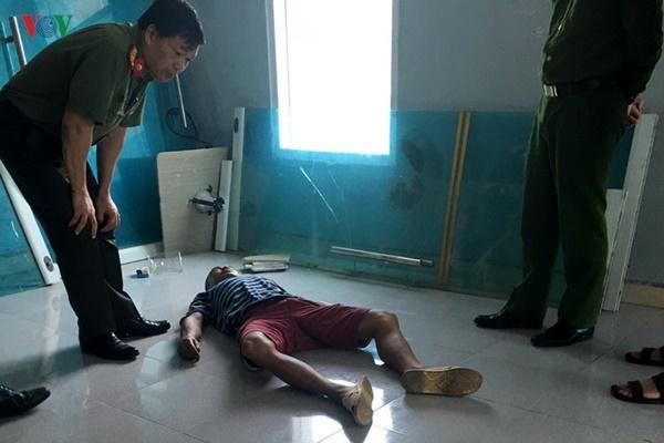 Bàng hoàng phát hiện xác người nhà bệnh nhân trong bệnh viện có bơm kim tiêm-1