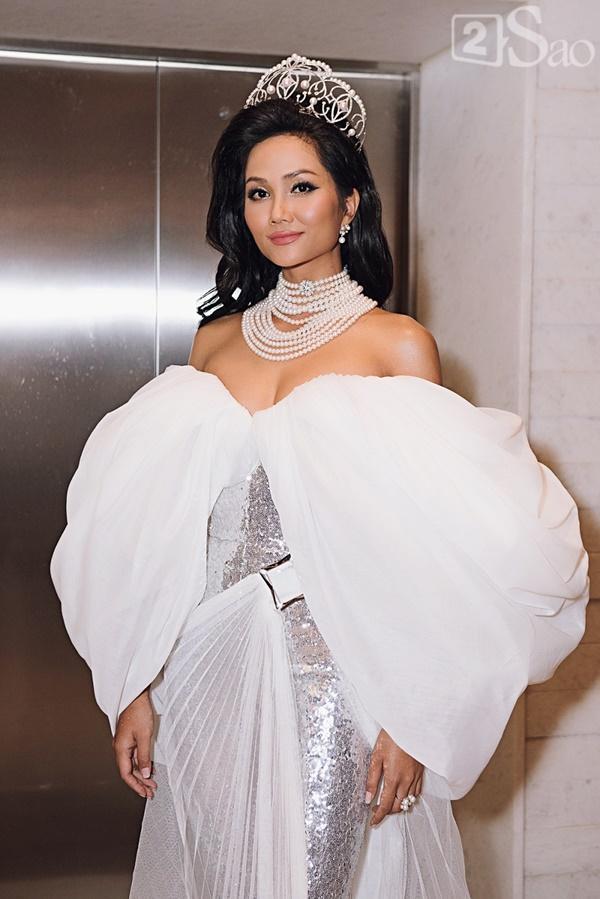 HHen Niê sẽ không trao lại vương miện cho tân Hoa hậu Hoàn vũ Việt Nam 2019-2