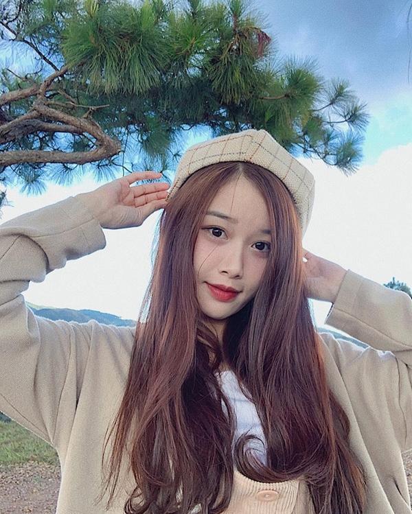 Văn Toàn tag bạn gái dưới bài đăng tình cảm của vợ chồng Trang Lou, ngầm tỏ ý muốn kết hôn?-2