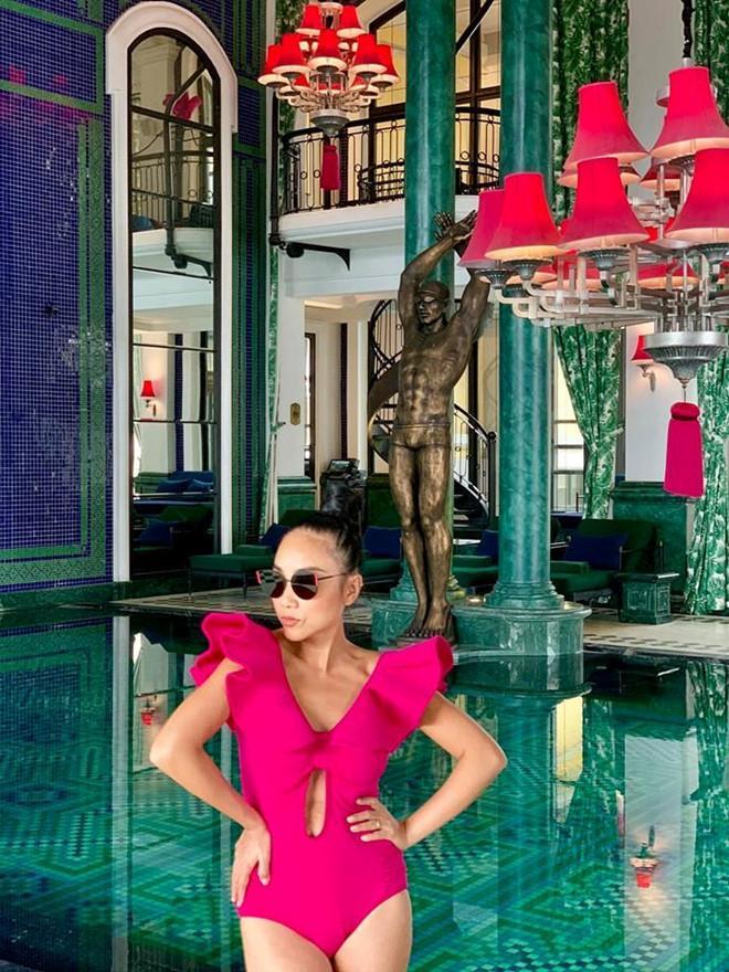 Mỹ nhân Việt tuổi U40, U50 vẫn tự tin khoe dáng gợi cảm với đồ bơi-1