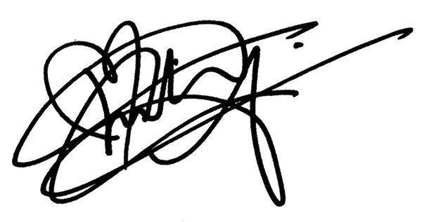 Khi sao Hollywood quá nhiều fan và họ muốn kí tặng tất cả: Loạt chữ ký… 'rồng bay' đã ra đời-7