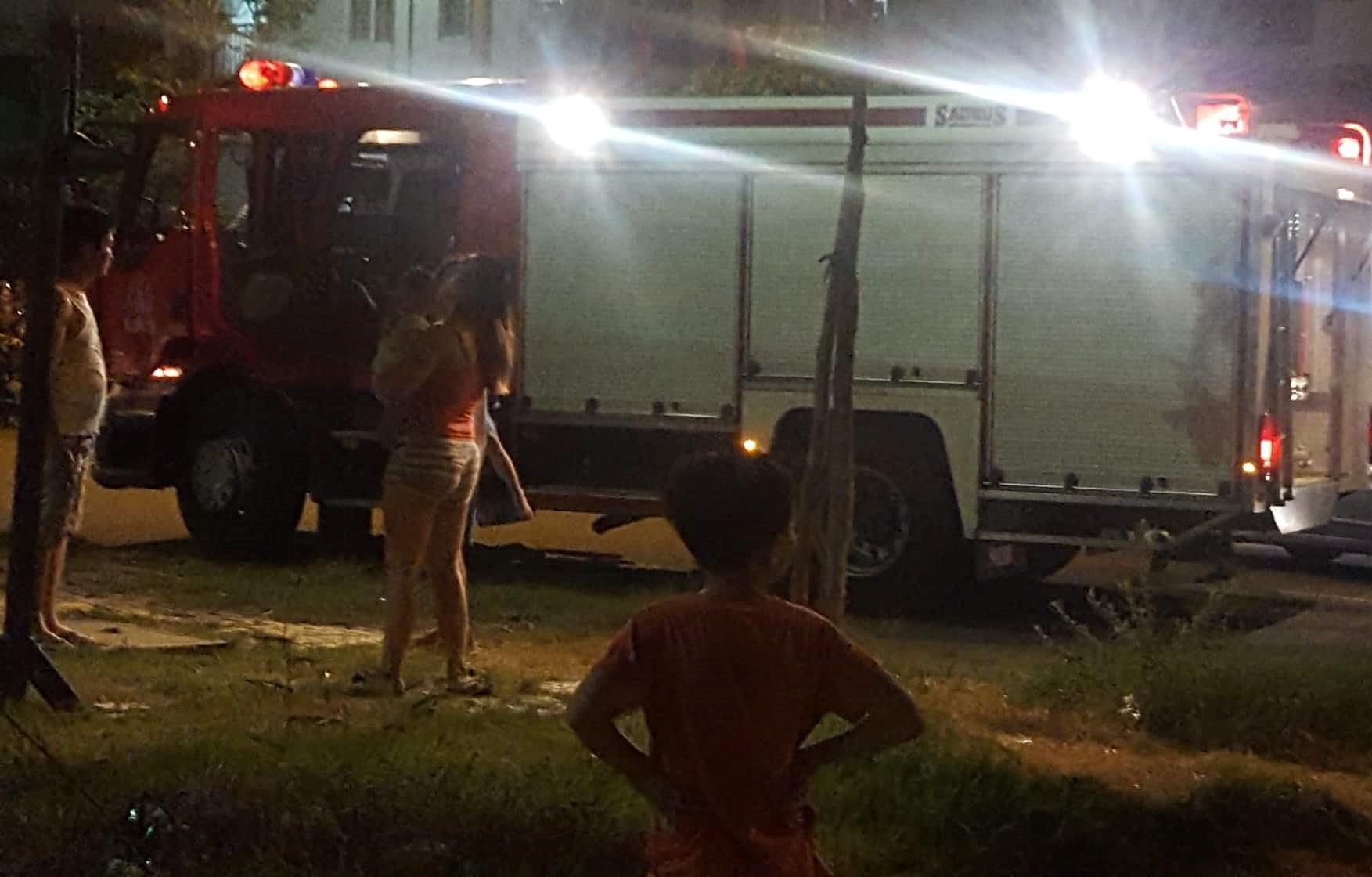 Thắp hương cúng rằm làm chung cư ở Đà Nẵng bốc cháy ngùn ngụt, người dân chạy toán loạn trong đêm-4