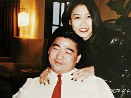 Hoa hậu phim nóng Hong Kong đổi đời lấy đại gia, 20 năm sau nhìn con gái mà ngỡ ngàng